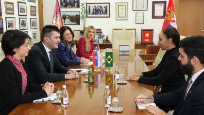 Министар Зоран Ђорђевић разговарао са амбасадорком Бразила
